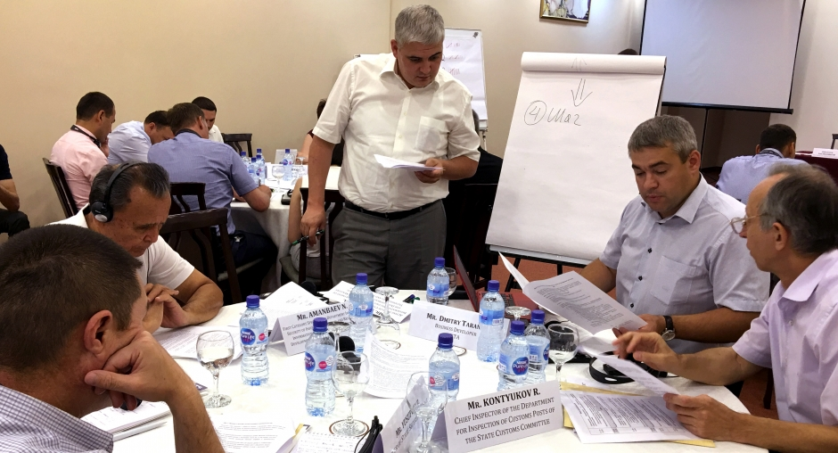 National law enforcement authorities and international experts draft recommendations for the establishment of an API system in Uzbekistan, Tashkent, 14 June 2018. (OSCE/Adrián Carbajo)