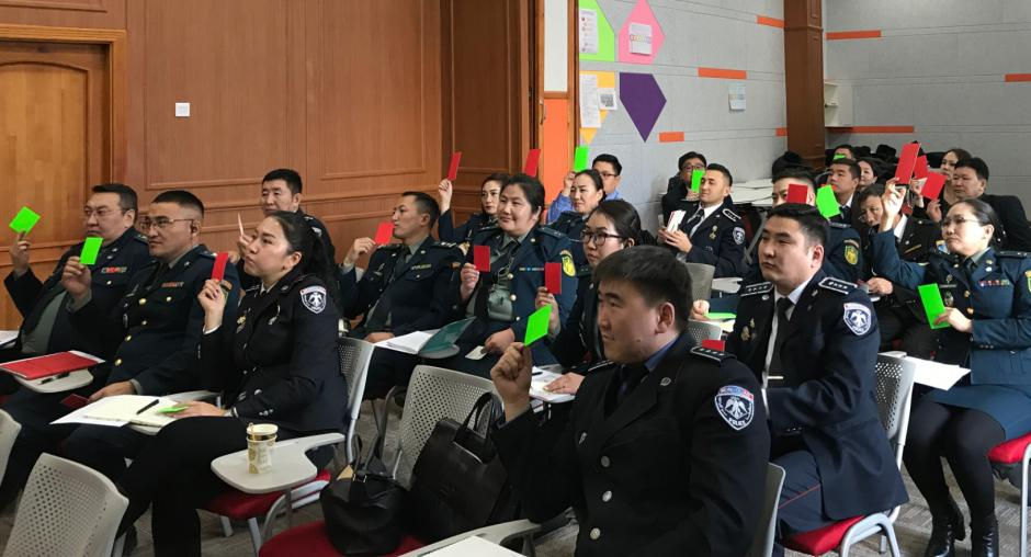 Participants during a practical exercise on the identification of impostors. University of Internal Affairs, Ulaanbaatar, 20 December 2019. (OSCE / Angelisa Corbo)